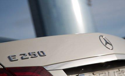 _Mercedes-Benz_E250_BlueTec_-2.jpg-Image2
