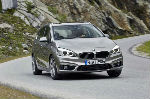 2016-bmw-225i-active-tourer-front-end-turn