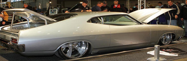 australian-falcon-show-car